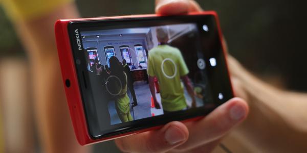 Galaxy S4 si HTC One versus Nokia Lumia 92