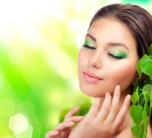 Cosmeticele naturale sunt o alternativa mai buna