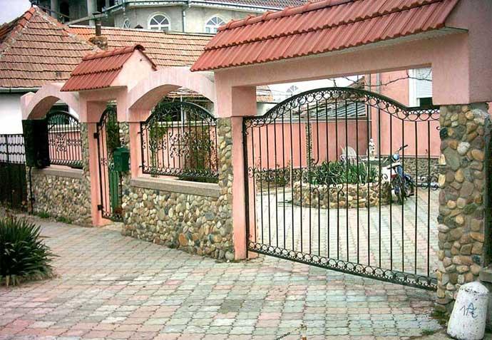 Ce tip de poarta sa alegi pentru curtea casei tale?