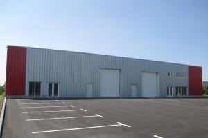 Cladire-hangar pentru asamblarea de masini si echipamente