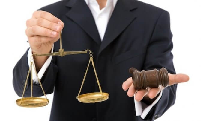 Ce are voie si ce nu are voie un avocat sa faca?