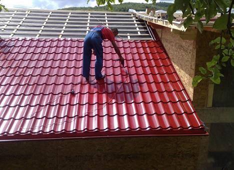 Ce avantaje au acoperisurile metalice?